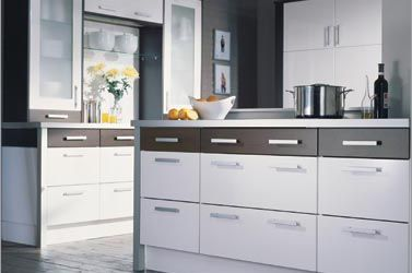 Colour contrast drawers