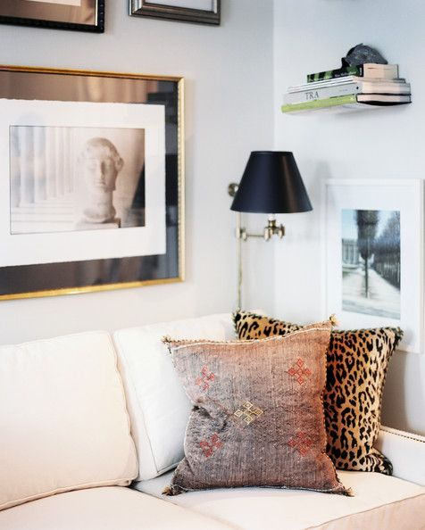 I love everything about this little corner. Matthew Kowles via lonny