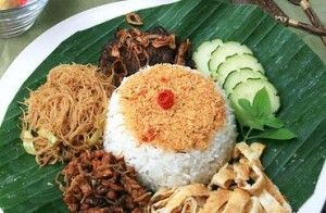 Nasi Ulam with recipe, also of other Indonesian rice dishes. wonderful.