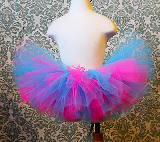 DIY no sew tutu! Super easy to make and  I received TONS of compliments :)