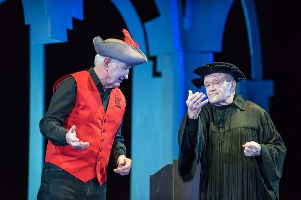 Faust en Mephitopheles in een opvoering van Des Pudels Kern