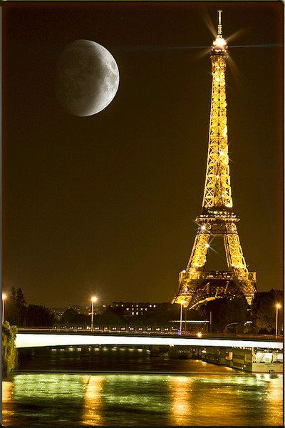 Moon Paris