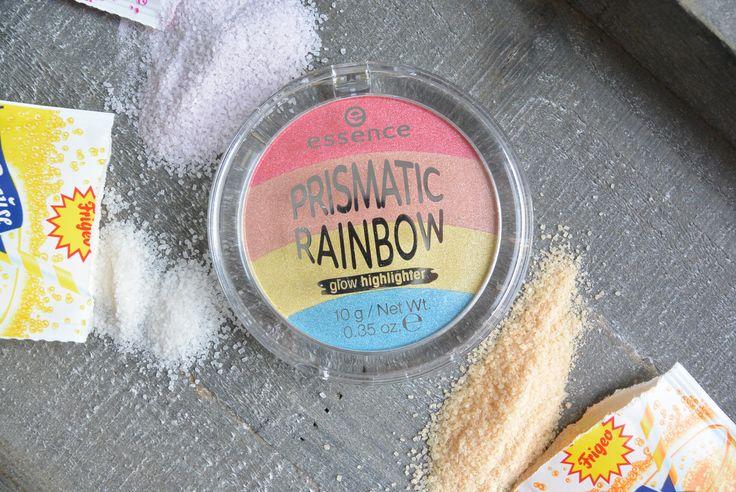 Hallo ihr lieben !  Die liebe @a.littlebitofall hat mich gefragt ob ich nicht mal die beiden essence Rainbow Highlighter vergleichen kann, leider habe ich den aus der Blossom LE leider nicht …