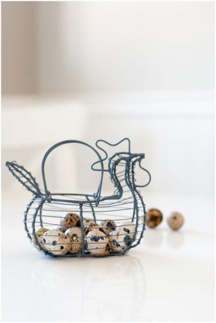 Easter  Daar mogen deze kleine kwartel eitjes  niet  ontbreken   Nu 12 stuks in een zakje €1,50