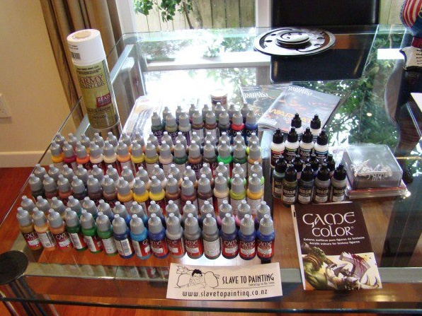 Check this out! Imagine having this on your table as you painted!