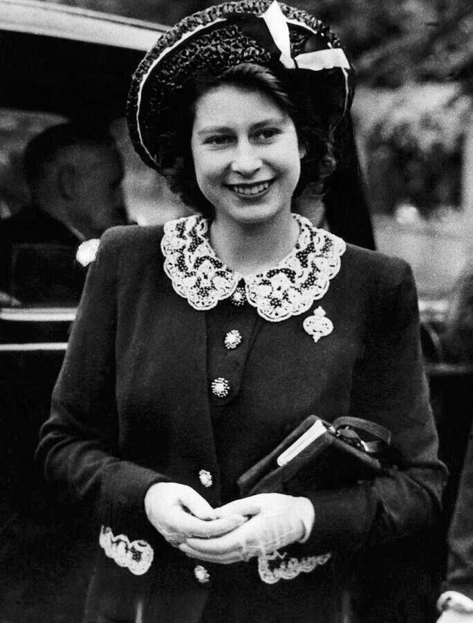 королева елизавета английская в молодости фото грибов сюда добавляется