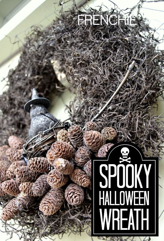 Spooky Halloween Wreath on frenchiewraps.com