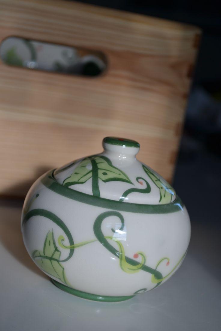 sugar bowl Quasimodo3 https://www.facebook.com/pages/Quasimodo3/145083265564956?ref=hl
