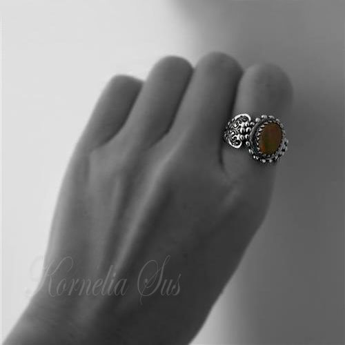 Wędrówka słońca- srebrny pierścionek z opalem ognistym Biżuteria Pierścionki Kornelia Sus