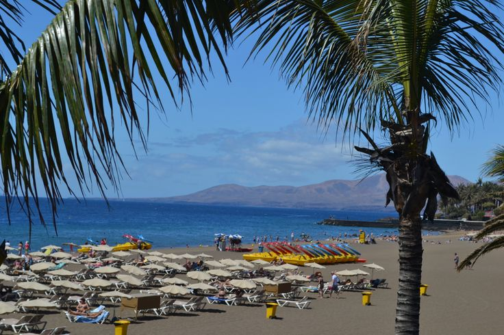 Even Tinajo has 11 hours of sunshine on the forecast for Lanzarote today. Mainly sunny, a few clouds around first thing. Light & variable wind 0-15 km/h. 27 degrees. Image: Puerto del Carmen Published: 19 June 2014