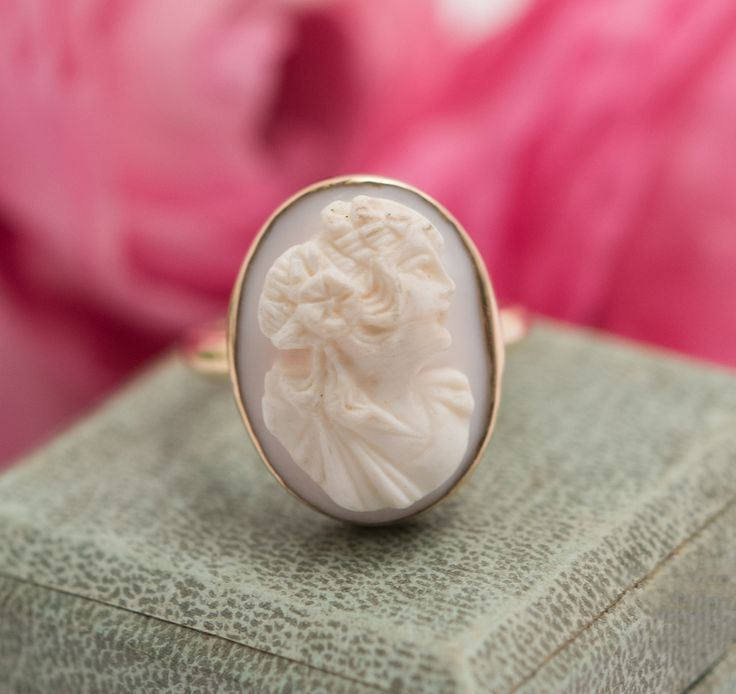 Antique 14K Gold Angel Skin Coral Deeply Carved Cameo Ring