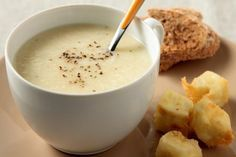 Βελουτέ τραχανά με τραγανούς κύβους φέτας - Γρήγορες Συνταγές | γαστρονόμος online