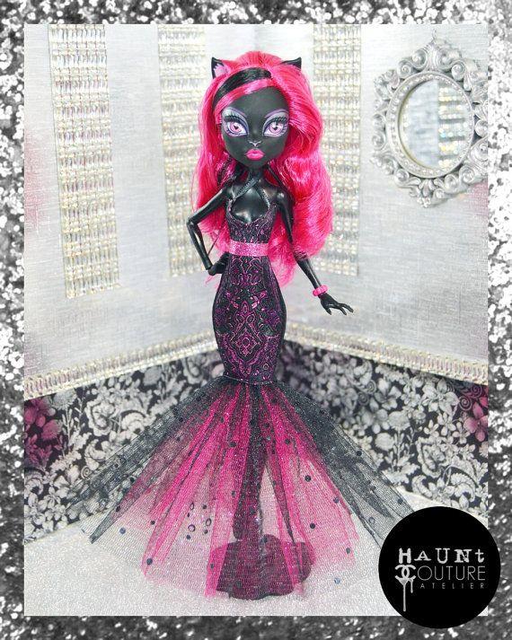 Poupée monstre « Miaulement du chat » robe de haute couture