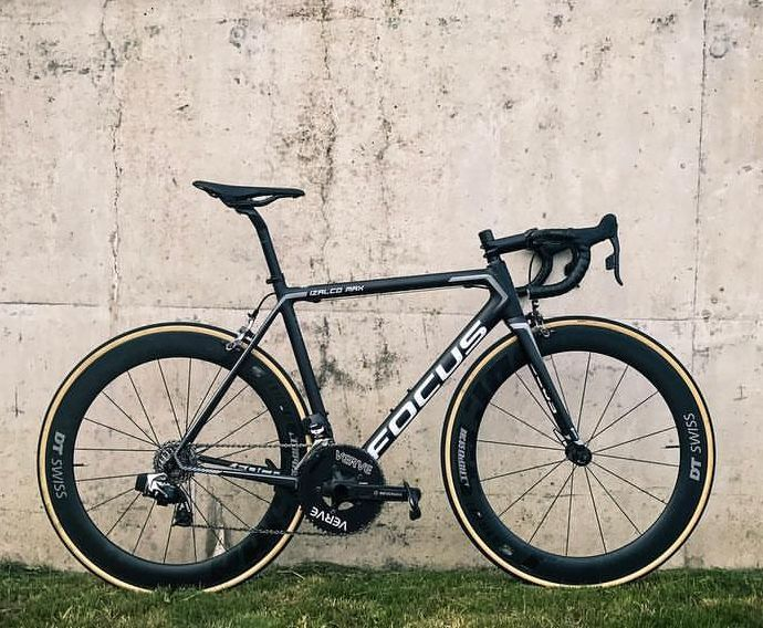 Stealthy Focus Izalco Max. Those DT Swiss wheels look the part!  #wevelo #focus #roadcycling #cyclinglife #bikelife #instagood #newkitday #fromwhereweride #roadbike #bikeporn #kitdoping #cyclinglife #cyclingphotos #cyclingshots #ride #bikestagram #lovemybike #outsideisfree #stravacycling #cycling #bikestagram #cyclinglife #triathlon #womenscycling #cyclingkit #rideordie #instabike #instacycling #bestbikekit #baaw  repost @chrishallrides @dtswiss  @focusbikes  @infocrank  @sramroad