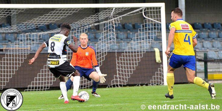 Eendracht Aalst vs SK Sint - Niklaas / zondag 11 september 2016 / Tweede Amateurliga A / Pierre Cornelisstadion / Cedric Mittu