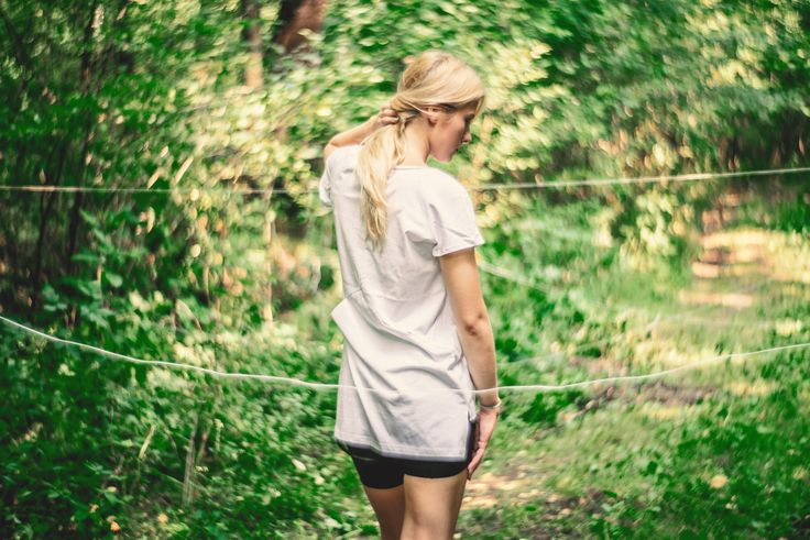 #tshirt #tee-shirt #tee #white #cycling #sport #cyclist #blonde #girl #model #forest #green #pocket #fashion #streetfashion #fit #fitness #fittness #training