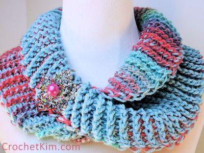 CrochetKim Free Crochet Pattern | Dueling Colors Cowl