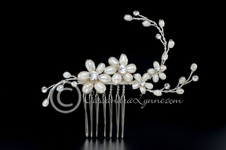 Ivory Pearl Flower & Rhinestone Bridal Comb Wedding Hair Accessory