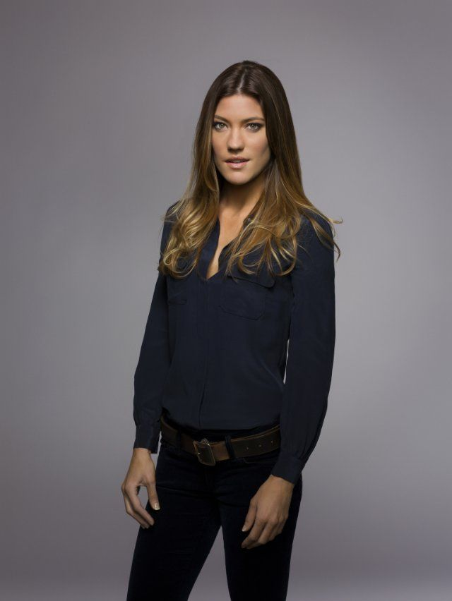 I fucking love Debra Morgan (and her silk navy shirt)