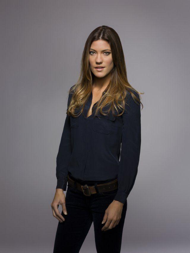 I fucking love Debra Morgan (and her silk navy shirt)