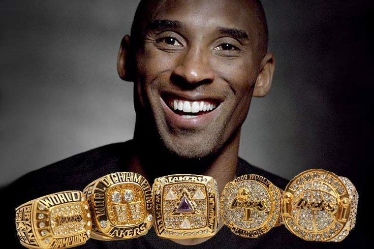Kobe Bryant, 5 Championships Bryant has been a successful player since teaming up with O'Neal to win his first three in 2000, 2001 and 2002. He went ahead to capture his Nos. 4 and 5 which saw him sail to become the Lakers team leader between 2009 and 2010 .