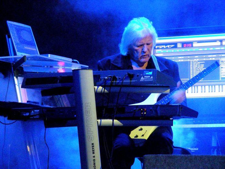 Edgar Froese dead: Tangerine Dream's founder dies in Vienna at 70  Read more: http://www.bellenews.com/2015/01/24/entertainment/edgar-froese-dead-tangerine-dreams-founder-dies-in-vienna-at-70/#ixzz3Pl3MqBWz Follow us: @bellenews on Twitter   bellenewscom on Facebook