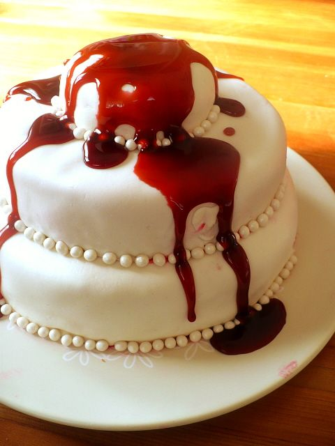 How to make edible fake blood for Halloween treats (or costumes?) #food #holiday #vampire