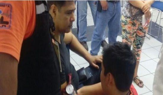 Se desmaya al ver su adeudo en la tarjeta de crédito en Banamex - http://www.esnoticiaveracruz.com/se-desmaya-al-ver-su-adeudo-en-la-tarjeta-de-credito-en-banamex/