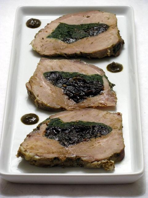 arrosto di maiale con prugne e spinaci              #recipe #juliesoissons