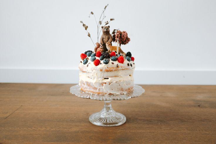 First birthday  baby boy  Wood, animals, organic, cheesecake, beer, bear, eekhoorn, vos, rasberry, bessen, kaastaart, red velvet cake, birthday, forrest, forest theme