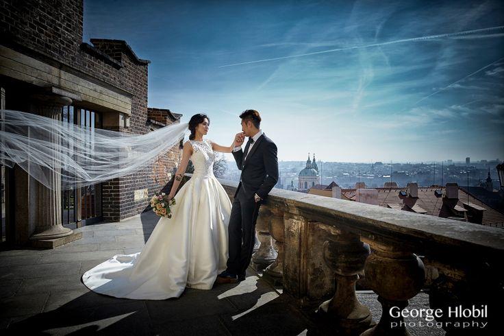 Prague pre-weddding photo shoot - Pre-wedding photographer George Hlobil