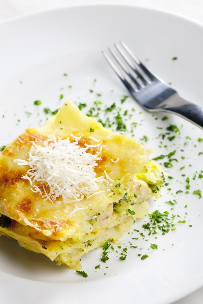Stufi della classica lasagna al forno? Ecco per voi la ricetta delle lasagne al pistacchio, un'irresistibile voluttà di sapori per coccolare i vostri cari a tavola. Affidatevi però alla genuinità siciliana di Bronte e il risultato sarà davvero eccezionale!