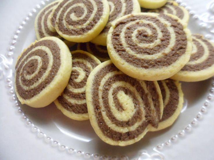 Az egyik legkedveltebb kekszem a csigakeksz, nagyon sokszor készítem, de valahogy még nem került a blogra. Ezt most pótolom !:) ...