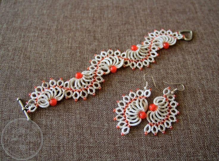 Wachlarze - frywolitkowa bransoletka i kolczyki z nici bawełnianej wykonane przez Galerię Koronki