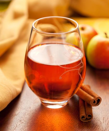 Winter Drinks: Mulled Pomegranate-Apple Cider with Rosemary, Thyme ...