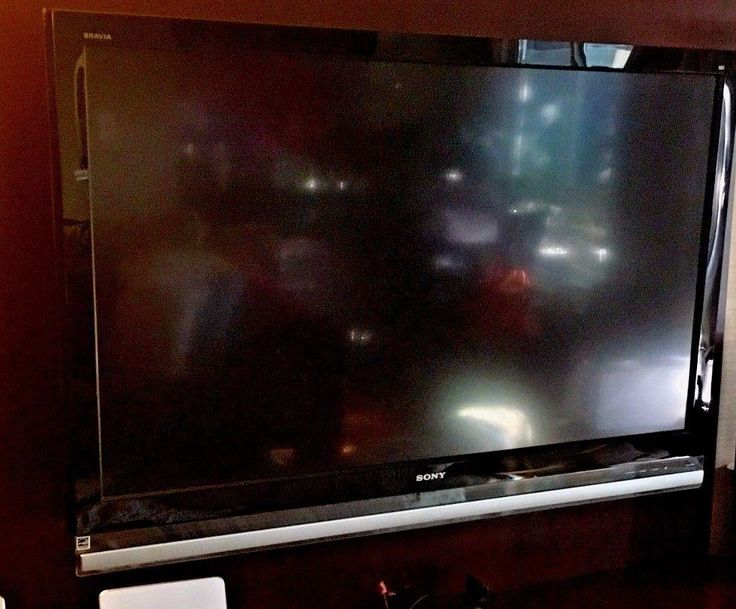 Sony KDL-52XBR7 52 1080p HD LCD Television
