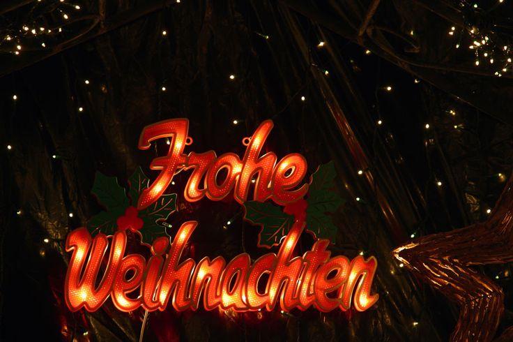 Weihnachtsgrüße Season's Greetings  Frohe Weihnachten Merry Christmas  Frohe Weihnachten und ein gutes neues Jahr Merry Christmas a...