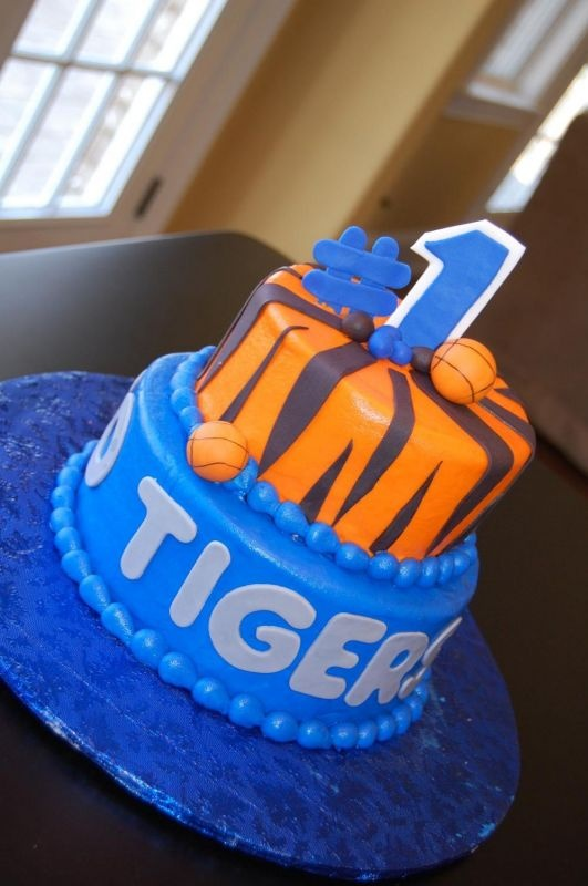 Decorating Ideas > Wish I Would Have Seen This Memphis Cake Before Reeses  ~ 223149_Birthday Party Ideas Memphis Tn