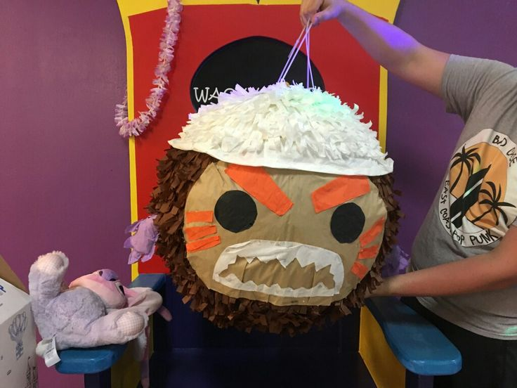 Giant Moana Kakamora for my grand niece's birthday party. It was 22 inches wide.