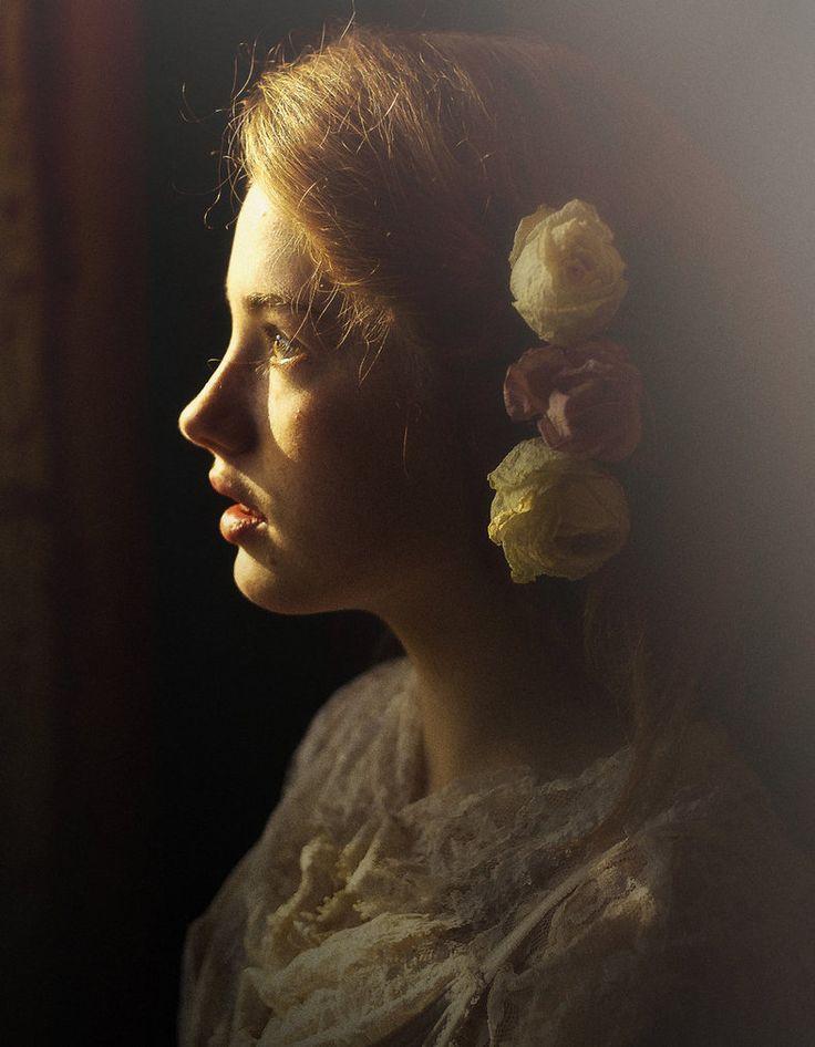 beautiful photography by Marta Syrko: Beautiful Inspiration, Martasyrko, Beautiful Women, Beautiful Portraits, Lights Photography, Photography Poses, Portraits Photography, Creative Photography, Marta Syrko