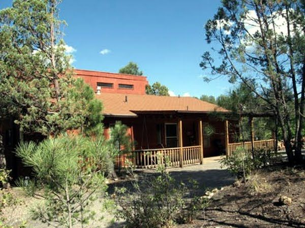 An Evergreen Hideaway 3/2 Cabin for Rent in Ruidoso New Mexico NM. Mountain View with Seclusion!