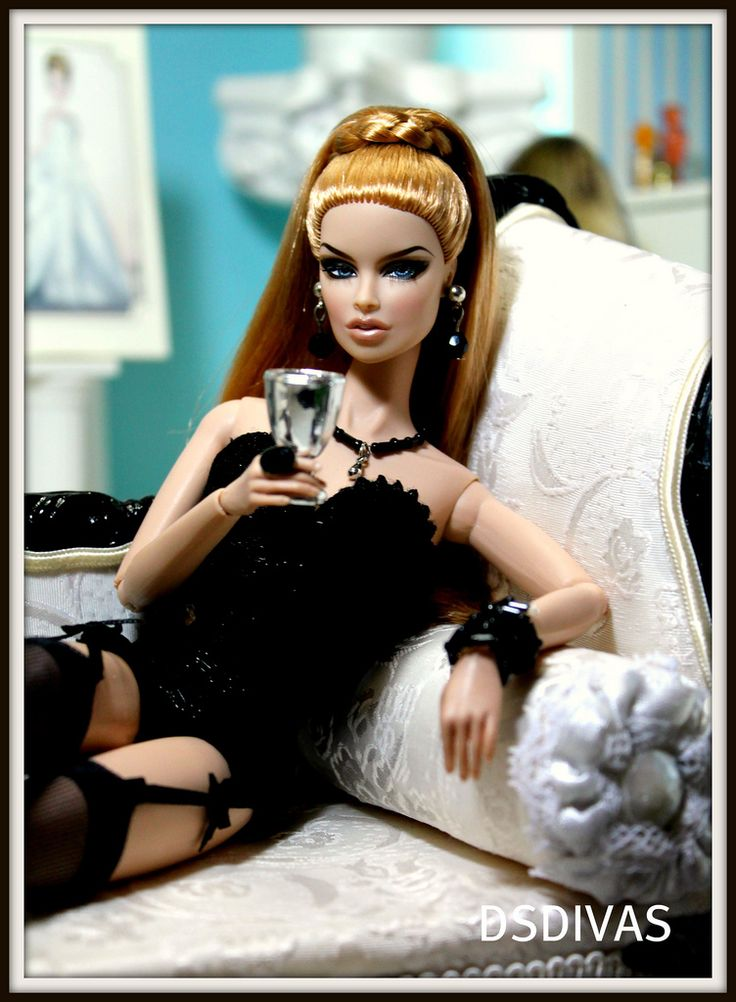 Fashion royalty VANESSA PERRIN