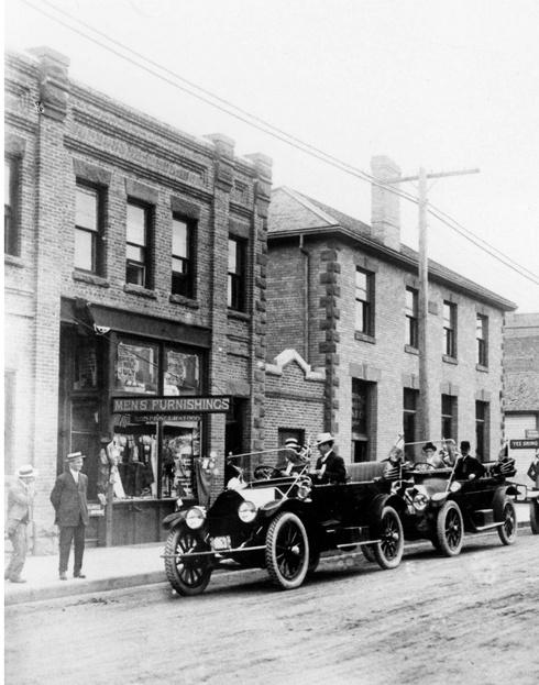 Hargrave Sissons Block & Merchant's Bank - Downtown Medicine Hat
