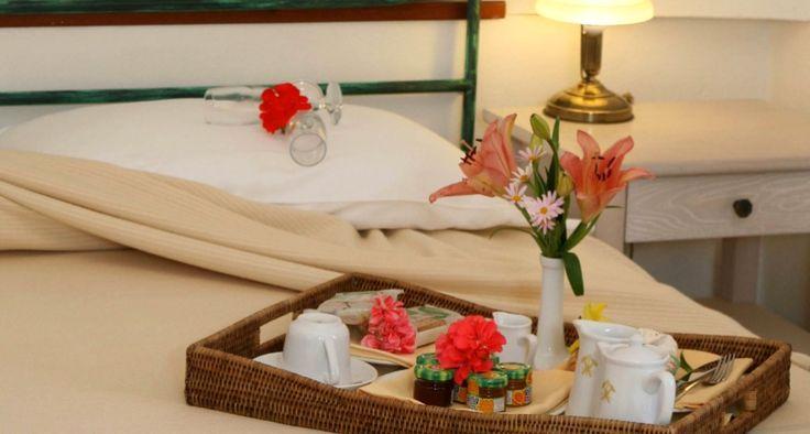 Una colazione speciale per un'occasione romantica. #PiscinasRomantic #LeDunePiscinas #Sardegna #soloqui #viviLeDunePiscinas   A special breakfast for a romantic occasion. #PiscinasRomantic #LeDunePiscinas #Sardinia #nowhereelse #doitinLeDunePiscinas   www.ledunepiscinas.com