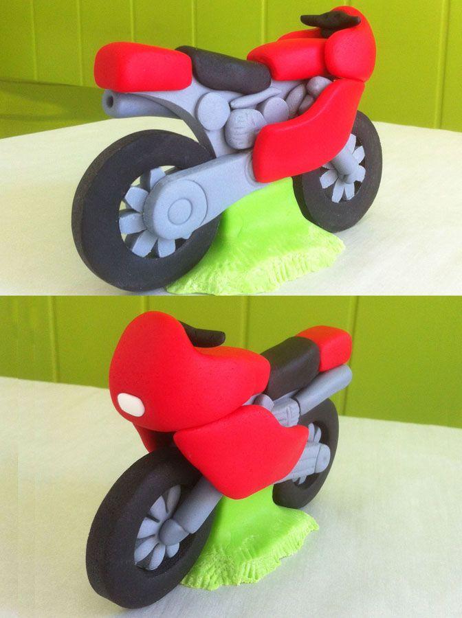 Moto modelada en fondant                                                                                                                                                      Más