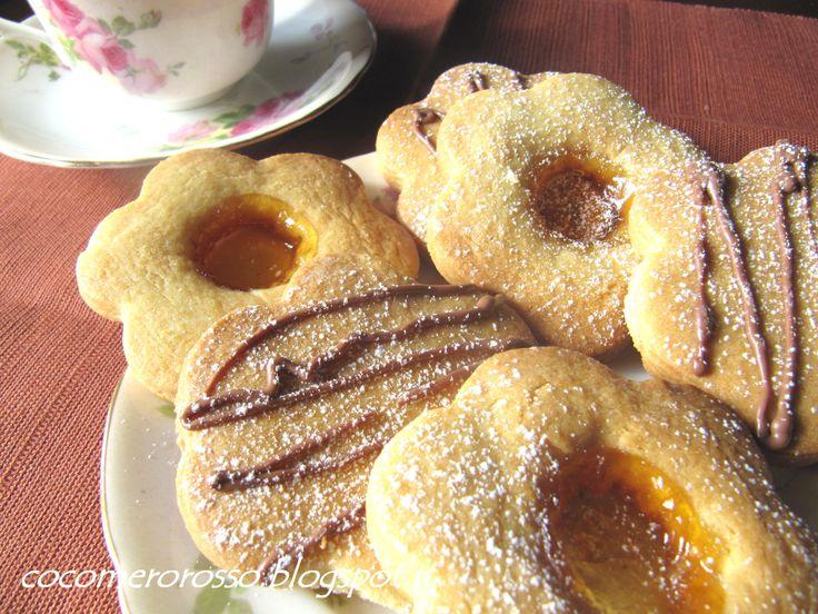 http://cocomerorosso.blogspot.it/2013/01/biscotti-di-frolla.html Biscotti di frolla
