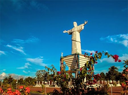 Patung Yesus di Pulau Mansinam, Kabupaten Manokwari