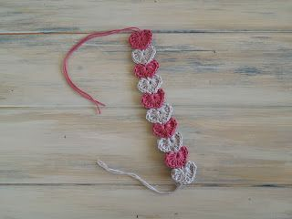 Happy Berry Crochet: Quick and simple crochet heart bracelet pattern