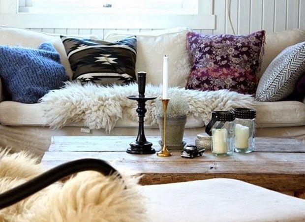 Mantas, velas, e almofadas com tecidos grossos