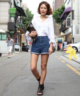Seoul...: Street Fashion, Summer Styles, Cut Shorts, White Shirts, Street Styles, Classic White, Denim Shorts, Cut Off, High Waist Shorts